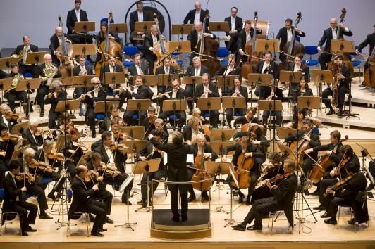 Weltstar David Geringas brilliert im Sinfoniekonzert